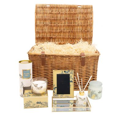 The Heron by the Thames Hamper